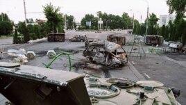 Улицы Андижана после кровавых событий мая 2005 года, когда силовики открыли огонь по участникам акции протеста. 14 мая 2005 года.