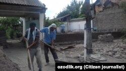Работники кладбищ Андижанского района.