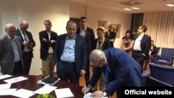 Nënshkrimi i marrëveshjes, 4 shkurt 2017