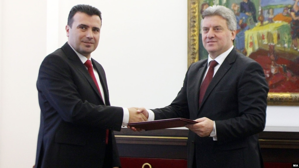 SDSM leader Zoran Zaev (left) meets with President Gjorge Ivanov on February 27.