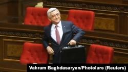 سرژ سرکیسیان، نخستوزیر ارمنستان، روز دوشنبه سوم اردیبهشت، از سمت خود استعفا داد