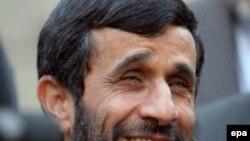Президент Ирана Махмуд Ахмадинежад ведет страну все более консервативным курсом