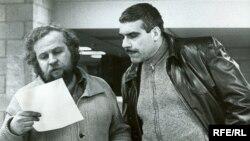 Vail Petr və Dovlatov «Yeni amerikalı» qəzetini çapa hazırlayarkən - (1981- Nyu York)