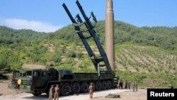 Солтүстік Кореяның құрлықаралық ракеталарының бірі.