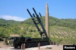 "Ракета ""Хвасон-14"" на месте пуска"