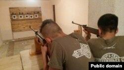 Стрілецькі навички – лише з пневматикою. Фото з Facebook
