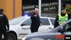 Pjesëtarë të policisë së Çekisë