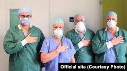 Коллеги Ярославы Вишневской, медики из больницы Humanitas Gavazzeni в городе Бергамо (Ломбардия)