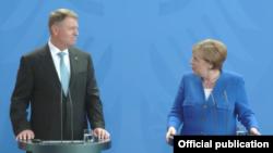 Klaus Iohannis la conferința de presă cu Angela Merkel la Berlin
