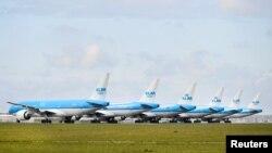 Летное поле аэропорта Схипхол в Амстердаме.