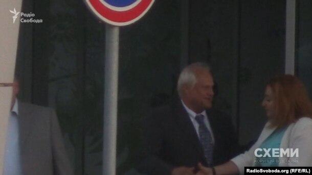 Спецпредставник ОБСЄ у мінській контактній групі Мартін Сайдік у VIP-терміналі аеропорту «Київ» 26 серпня 2016 року