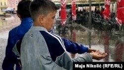 Prema izvještaju UN iz 2016. godine prosjačenje ostaje najdominantniji oblik teškog dječijeg rada u Crnoj Gori (ilustrativna fotografija)