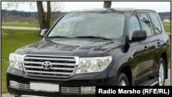 ГIагIа диллина Toyota Land Cruiser 200 машен, юккъера мах - 5,5 млн сом