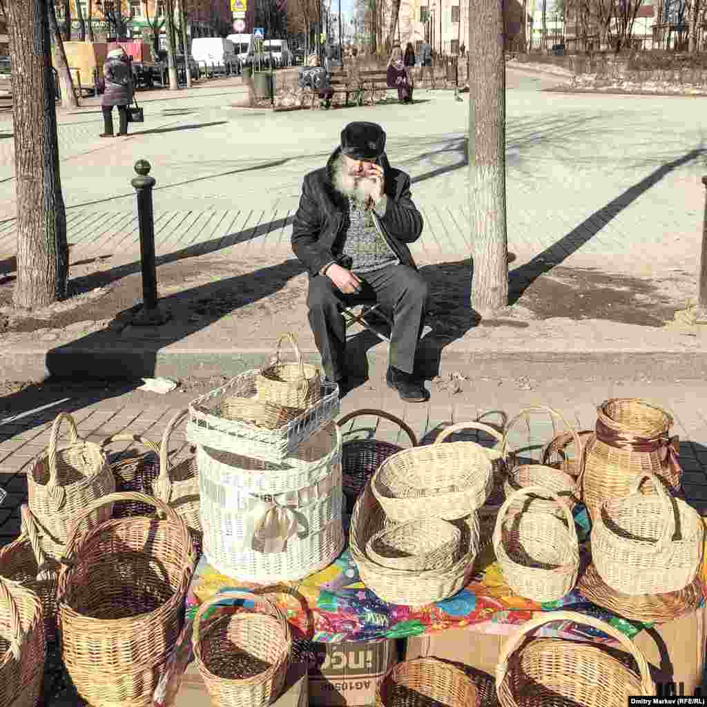 A basket seller in the town center. Photographer Dmitry Markov says most people he spoke to were Putin supporters.