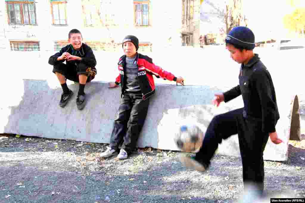 Большинству кыргызстанцев Мин-Куш запомнился фломастерами местного производства в советский период