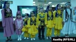 Омски балалары Тукай әсәрләрен башкара