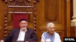 Сәгыйт һәм Ләйлә Садрилар татарларның Австралиягә килә башлавына 60 ел тулуга багышланган тантанада