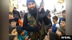 Suriyadagi o'zbek jangarisi - andijonlik Abu Usmon.