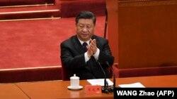 Xi Jinping aplaudira tijekom obilježavanja 40. obljetnice gospodarskih reformi, Peking