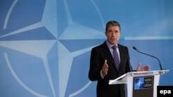 Андерс Фог Расмуссен на пресс-конференции после совещания НАТО в Брюсселе