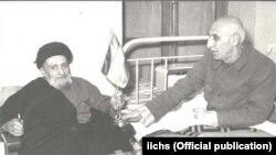 محمد مصدق در کنار آیتالله کاشانی، از رهبران اصلی جنبش ملی کردن صنعت نفت در ابتدای دهه ۳۰ خورشیدی.