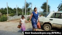 Эльнара Асанова со старшей дочерью