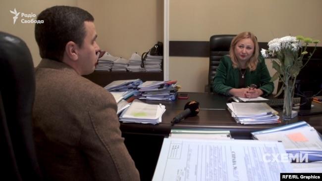 Крім того, Данич наполягає, що особисто з Оксаною Маркаровою не знайома