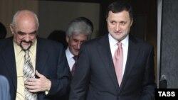 Igor Smirnov şi Vlad Filat după întâlnirea de la Bender