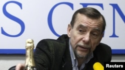 """Russian human rights activist Lev Ponomaryov says it's """"no coincidence"""" the number of cases has dropped."""