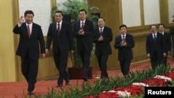 Кытайдын 2013-жылдан тарта бийликке келүүчү жаңы лидерлери астында экономикалык көйгөйлөр турат.