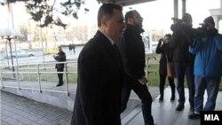 Поранешниот премиер Никола Груевски пред Кривичниот суд.