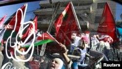 تظاهرات احزاب اپوزیسیون و سندیکاهای کارگری در امان، پایتخت اردن، در اعتراض به دولت؛ ۸ بهمن