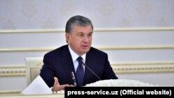 Президент Узбекистана Шавкат Мирзияев на заседании правительства. Ташкент, 26 апреля 2018 года.
