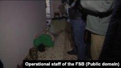Задержание Евгения Каракашева, оперативное фото ФСБ. Евпатория, 1 февраля 2018 года