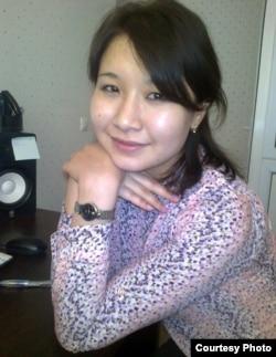Айнұр Омарова, аудармашы. Алматы, 13 желтоқсан 2012 жыл. Сурет жеке мұрағаттан алынған.