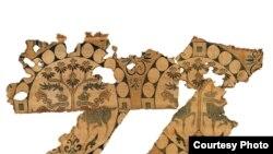 Самит с изображением оленей в медальонах. Династия Тан. VIII–IX вв. Китайский национальный музей шелка, Ханчжоу