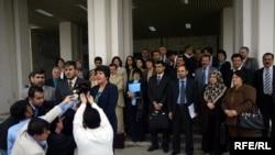 نواب المعارضة الكردية يتحدثون لوسائل الإعلام