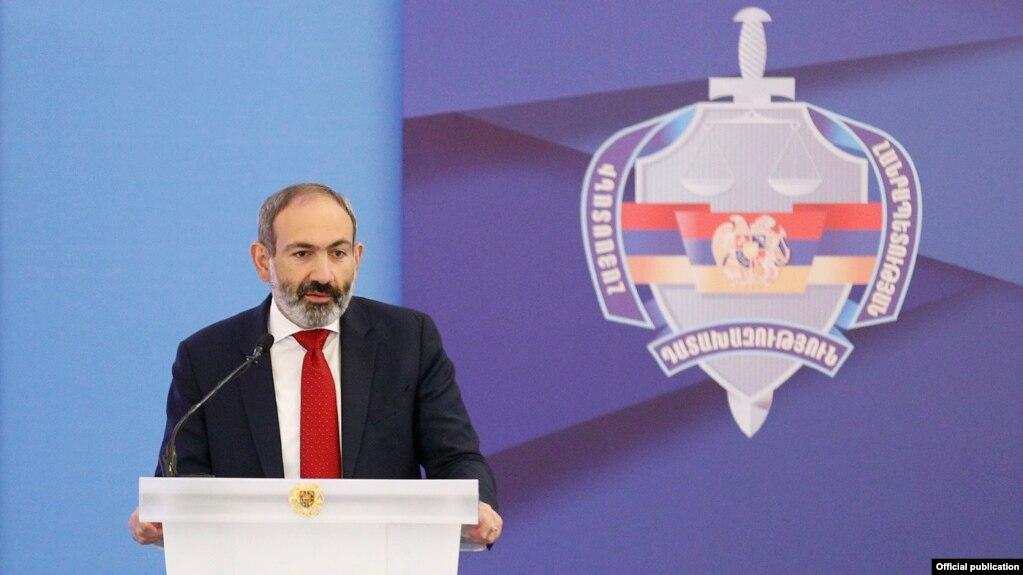 Внеочередные парламентские выборы пройдут в течение года - Пашинян
