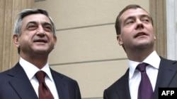 Rusiya Prezidenti Dmitri Medvedev və Ermənistan Prezidenti Serj Sarkisyanç 12 oktyabr 2009-cu il, Qorki şəhəri