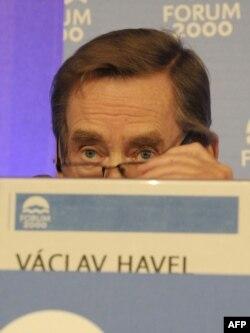 Господар «Форуму-2000» Вацлав Гавел