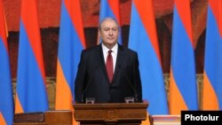 Армен Саркисян приносит присягу в качестве четвертого президента Армении, Ереван, 9 апреля 2018 г.