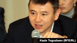 Президент фонда имени Болатхана Тайжана Мухтар Тайжан.