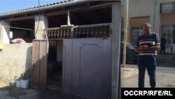 """Locuința modestă din Baku a """"directorului"""" firmelor britanice fictive, implicate în schema de spălare de bani"""