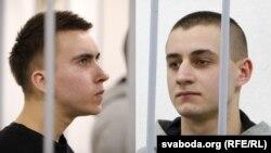 Іван Комар, Мікіта Емяльянаў