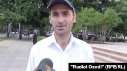 Яке аз мусоҳибони Радиои Озодӣ дар Душанбе