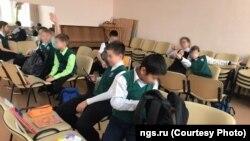 Урок английского в школе Новосибирска