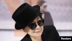 Yoko Ono na otvaranju izložbe u Frankfurtu, 14. februara 2013.