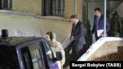 Ситуация у Басманного суда в Москве, где состоится заседание по избранию меры пресечения задержаному сенатору Р.Арашукову