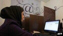 Студентка медицинского вуза в Тегеране