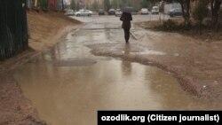 Разбитые дороги в Юнусабадском районе города Ташкента.